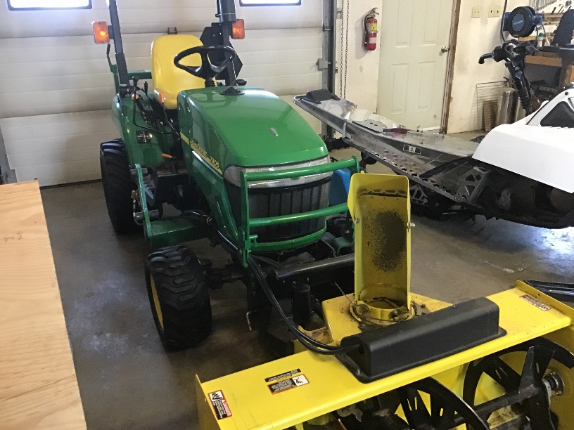 UNRESERVED FARM EQUIPMENT AUCTION FOR JAKE & JUSTINE